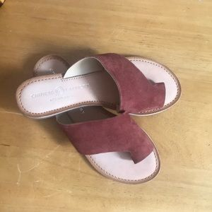 NWOT Chinese Laundry sandals